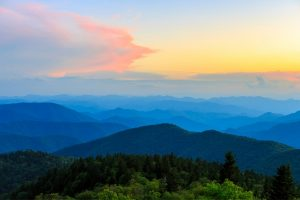 Read more about the article 18 Best Overlooks on Blue Ridge Parkway: Don't Miss These Epic Views!